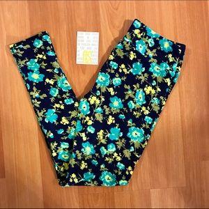 LuLaRoe Pants - LuLaRoe Flowers OS Leggings
