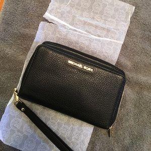 Michael Kors Handbags - NWT Michael Kors Adele wallet