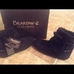 BearPaw Shoes - Bearpaw ankle bootie.15 % OFF BUNDLES!