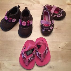 Teva Other - Cute baby girl shoes bundle! Size 2