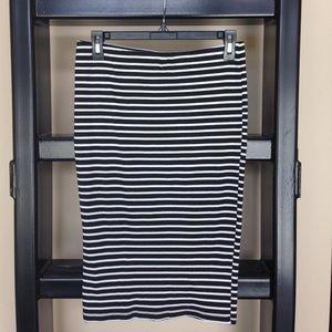 Dresses & Skirts - Black & White Stripped Midi Skirt