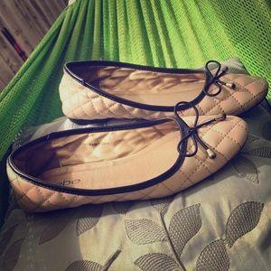 bebe Shoes - BEBE :|Cream&BLK Diamond-stitched Flats w/BowTie.7