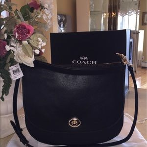 Coach Handbags - ❤🌹OFFERS WELCOME..NEW AUTHENTIC COACH BAG