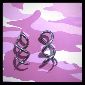 Hot Topic Jewelry - Pair of corkscrew earrings 8g