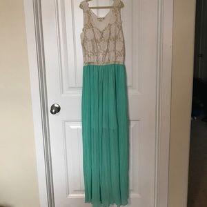 Bohme Dresses & Skirts - Spring dress long mint gold Bohme