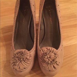 B Makowsky nude/light brown heel, size 7