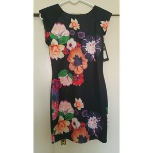 AX Paris Dresses & Skirts - Ax Paris Body Con Floral Dress Size 8
