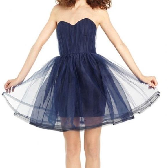 d41ef9d194 Alice + Olivia Cinched Waist Pouf Dress Navy