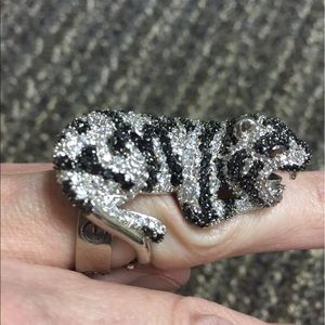 nOir Jewelry Jewelry - Noir Rhinestoned Tiger Ring