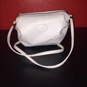 Aunthentic Gucci vintage crossbody bag
