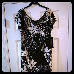 Perceptions New York Dresses & Skirts - Floral Print Perceptions Maxi Dress