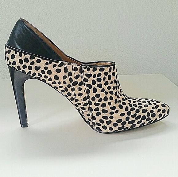 68ab8a38271 Ann Taylor Shoes - Calf Hair Ann Taylor Leopard Print Heels 8.5