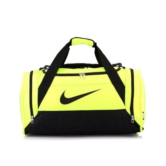 886323008c New Neon Xs Nike Duffle Gym Bag. M 58e702d8c6c795bc57008e58