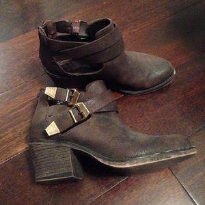American Rag Shoes - Vintage brown booties