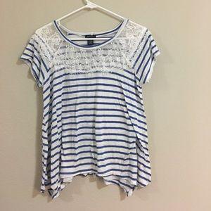 Striped, lace t-shirt!