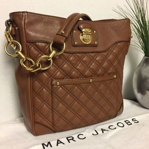 Marc Jacobs Handbags - Marc Jacobs Quilted Brown Leather Bag