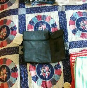 31 Handbags - 31 pack' n 'pull caddy