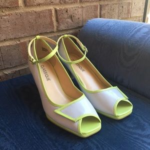 Classique Shoes - New Gray and Lime Green Kitten Chunky Heels