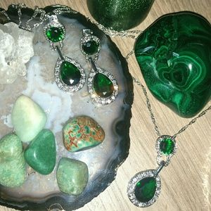 Jewelry - Silver & Emerald Evening Necklace & Earrings Set