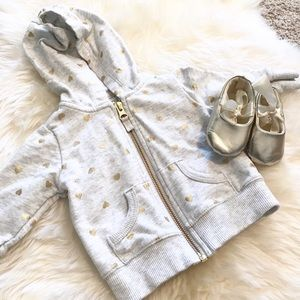 Other - ⭐️HP⭐️ *BUNDLEDEAL* 2fr1 Zipup hoodie & gold shoes