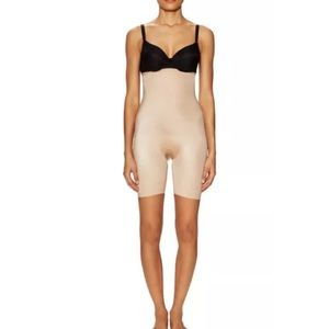 NWT SPANX® HIGH-WAISTED MID-THIGH SHORT Size Small