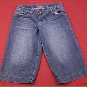 """Baccini Denim - Crop Jeans 🦋 21"""" Inseam"""