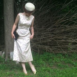 Dresses & Skirts - Vintage pale floral gown with back bow AS IS