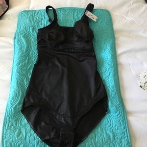 Miraclesuit Other - NWT MiracleSuit super Shaping body suit. 40DD