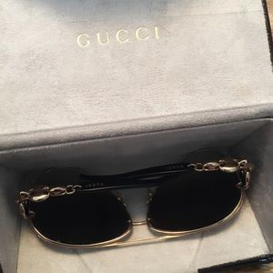 ff704490f Gucci Accessories - 🚨 PRICE DROP // GUCCI Aviator Women's Sunglasses
