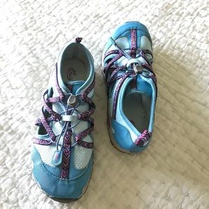 chaco Other - Chaco Chacos kids girls size 4 blue water shoes