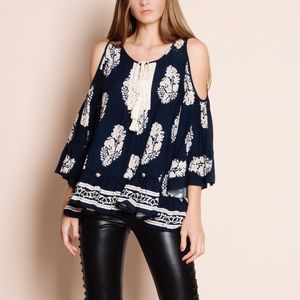 Feather Print Cold Shoulder Top