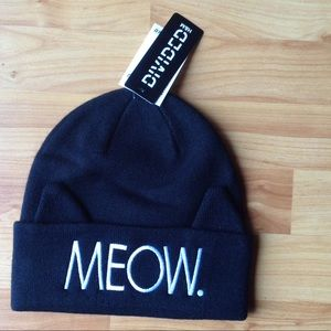 "H&M Accessories - NWT ""MEOW"" Beanie with Ears"