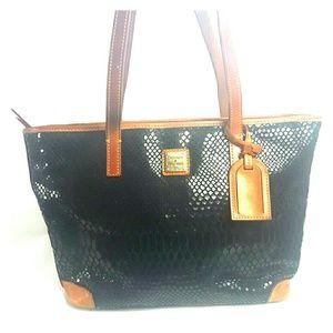 Dooney & Bourke Handbags - Amazing Dooney and Bourke shoulder bag like snake