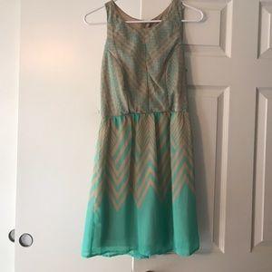 City Studio Dresses & Skirts - Sleeveless tan&mint dress