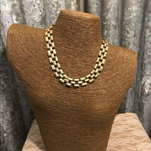 Avon Jewelry - ♨New Listing ♨Vintage Gold Tone Avon Necklace