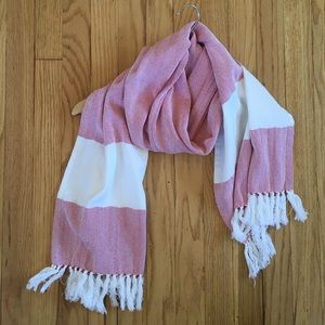 "Red and White Woven Cotton Tassel Scarf 17""x67"""