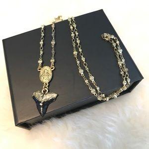 Jewelmint Jewelry - Shark tooth necklace