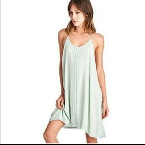 April Spirit Dresses & Skirts - 💚Easy, loose fit summer dress in pale mint green.