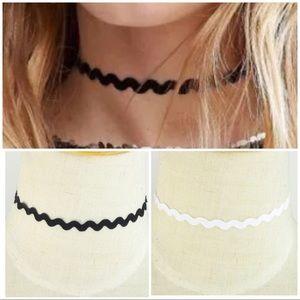 Jewelry - NEW Lace Choker