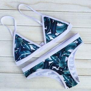 Other - NWT Tropical print bikini