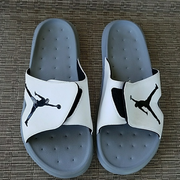 e2902722ded0 Michael Jordan Slides for Men. M 58e7e90f8f0fc492b30029c2
