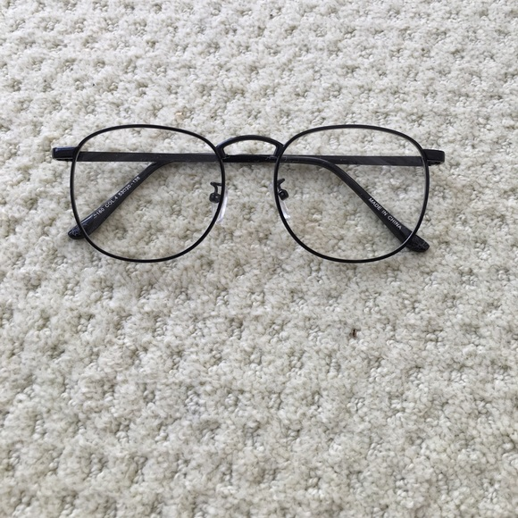 ef757e30716 Accessories - Black Wire Frame Eye Glasses
