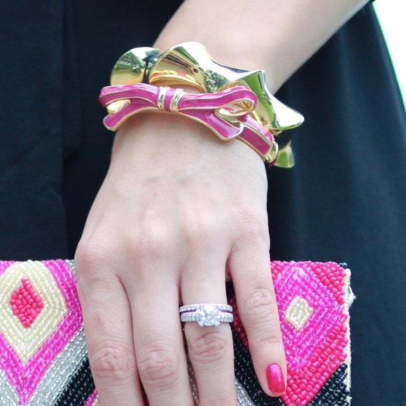 Jewelry - Pink bow bangle