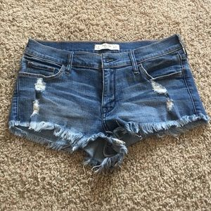 Abercrombie & Fitch Pants - Abercrombie and fitch ripped shorts!