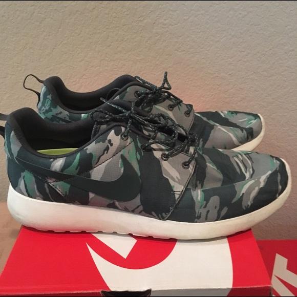 Nike Rosherun GPX green tiger camo mens size 10