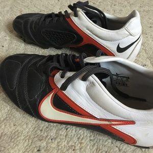 Nike Shoes - Nike softball or soccer women's cleats