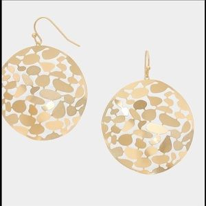 Farah Jewelry Jewelry - ⚡️Flash Sale⚡️Hammered Metal Cut Out Disc Earrings