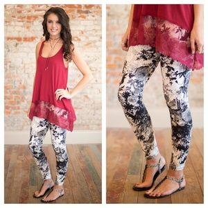 Infinity Raine Pants - B&W floral print leggings
