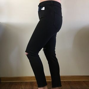 High Waisted Distressed Ankle Crop Skinnies