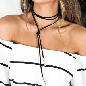 Lariat Necklace in White/Silver